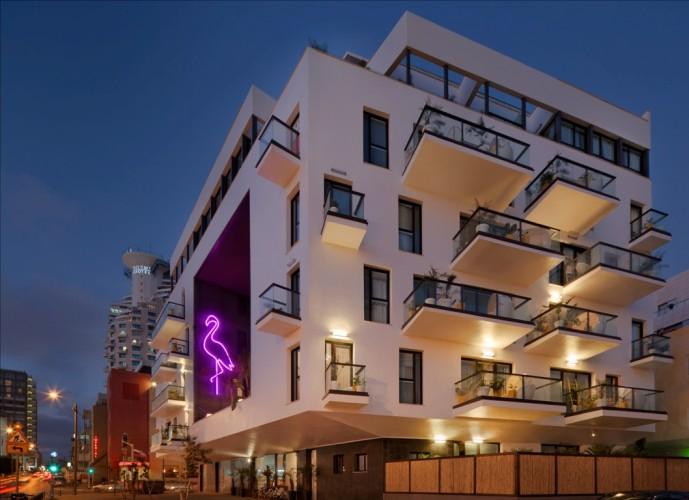 מלון בראון ביץ' האוס